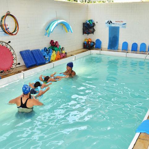 Alecrim-creche-e-escola-piscina